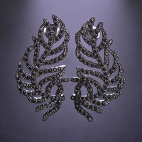 Blucome Cool Black Leaves Stud Earrings For Women Gothic Punk Crystals Tiny Simulated Diamond Schmuck Wedding