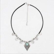 Aleación de la vendimia de La Moneda Triángulo Colgante Gargantilla Collar Para Mujer Joyería Étnica Colgante Gargantilla Collar de Moda de Aleación de Cuero Negro