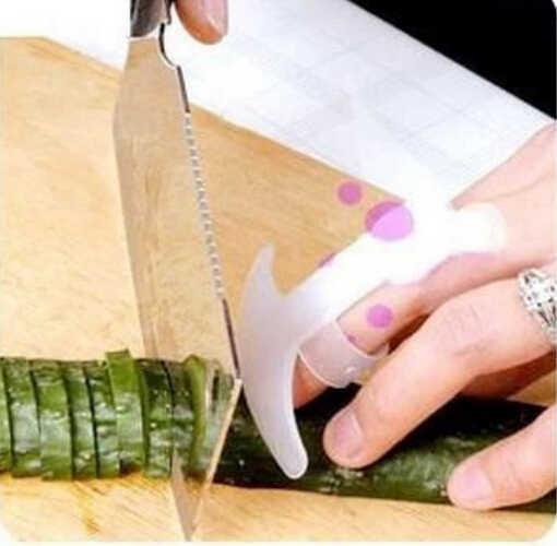 Пальцев пластик защитить ваш палец руки не больно с Детская Безопасность палец руки протектор гвардии Кухня кухонная утварь b086-1
