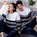 Moda Listrado casal combinando conjuntos de pijama de inverno quente coral fleece O-pescoço das mulheres & mens longo Pijana sleepwear casa ocasional terno