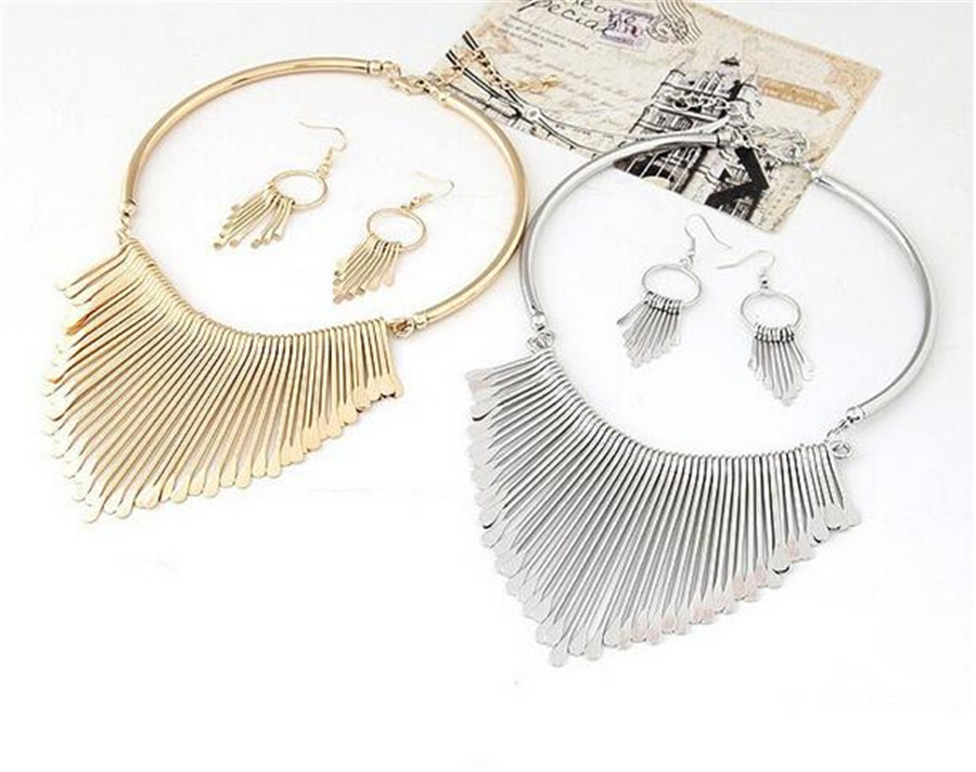Metal Fringe Necklace Set
