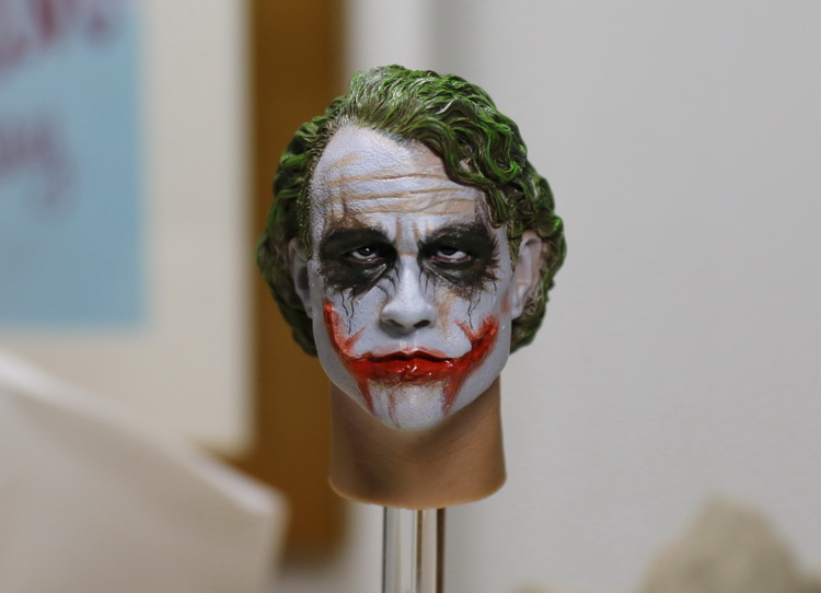 1/6 figure Accessory Batman joker headsculpt Heath Ledger head shape for 12 Action figure doll ,Not included body and clothes 1 6 scale figure accessory batman wayne headsculpt bale head shape for 12 action figure doll not included body and clothes