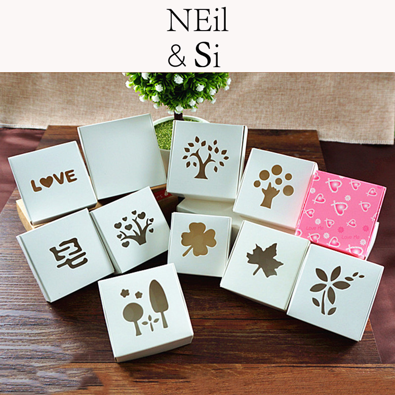Hollow White Paper Box Handmade Soap Pack Wedding Favor Jewel Gift Candy Package Window Boxes Free Shipping