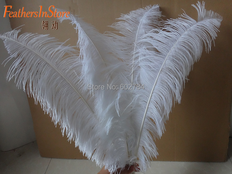 Free shipping pure white Ostrich Feathers 50pcs 50-55cm 20-22 ostrich plumes wedding feathers Tail trimmed