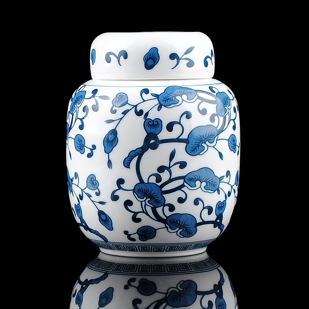 The blue and white porcelain ceramic small tea Jingdezhen ceramic decoration Home Furnishing compact utilityThe blue and white porcelain ceramic small tea Jingdezhen ceramic decoration Home Furnishing compact utility