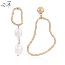 Badu Golden Asymmetry Earring for Women White Freshwater/Simulated Pearl Jewelry Christmas Party Earrings Fashion Wholesale