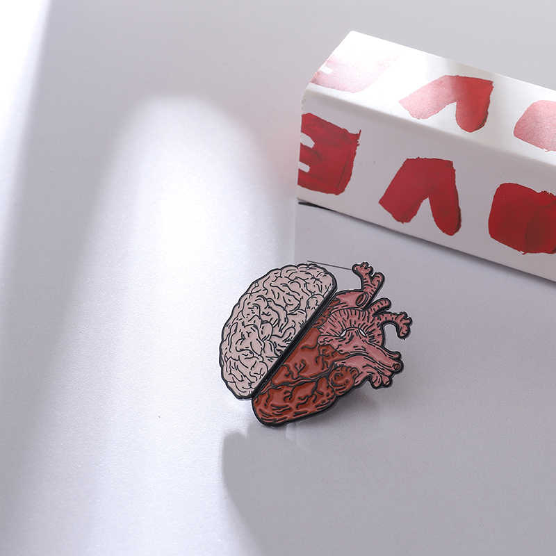 Half Brain and Heart enamel Pins Anatomy medical Brooches lifelike Beating heart Thinking head Lapel Pin Badges Horror Jewelry