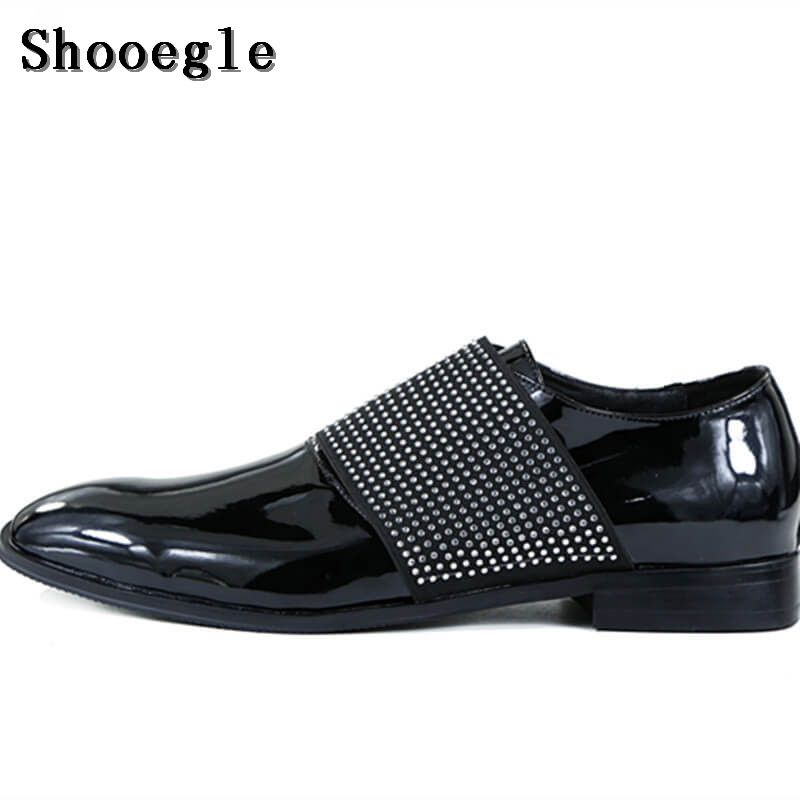 SHOOEGLE New Men Black Patent Leather Shoes Rhinestone Slip-on Men Loafers High Quality Oxfords Wedding Shoes EU39-EU46 qianruiti men animal head loafers metal toe wedding oxfords high quality slip on slippers men dress shoe eu39 eu46