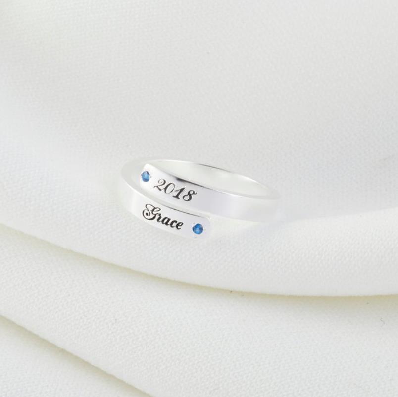 Couple anneaux personnalisé pierre de naissance anneaux personnalisés Nam Dainty minimaliste anneau empilage anneaux personnalisé remise des diplômes cadeau anniversaire