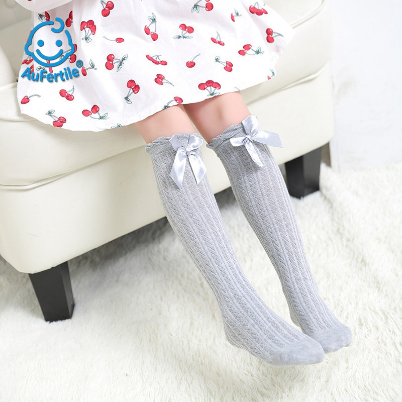 2018 Spring New Fashion Princess Lace Cotton Child Socks Bow Tie Girl Over Knee Long Socks High Quality Lovely Solid Color Sock