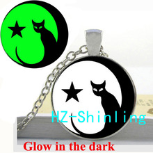 Glow in The Dark Jewelry Time Art Cat Necklace Yinyang Cat Pendant Jewelry Glowing Necklace Pendant Glass Cabochon