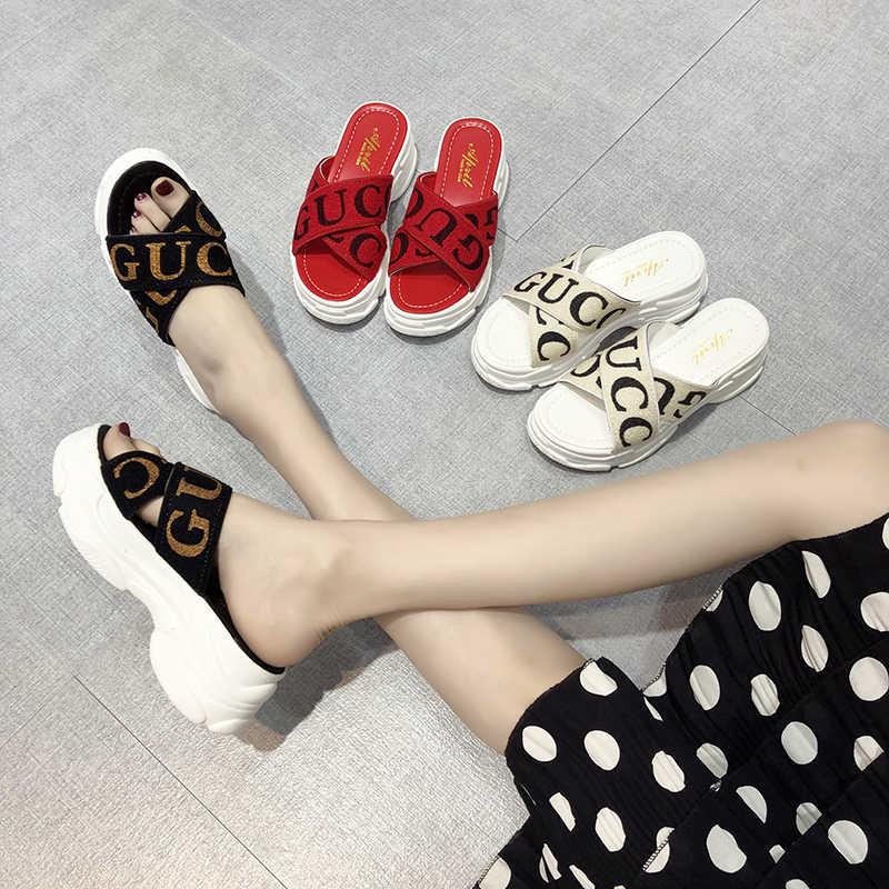 2019 Hot lazer moda verão plataforma fundo grosso Mulheres Chinelos senhora desliza Cunhas gladiador marca design branco preto vermelho