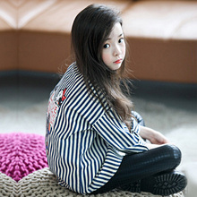 2016 New arrival autumn Girl Buttons Black and White Striped Shirts Cotton blended Blouse