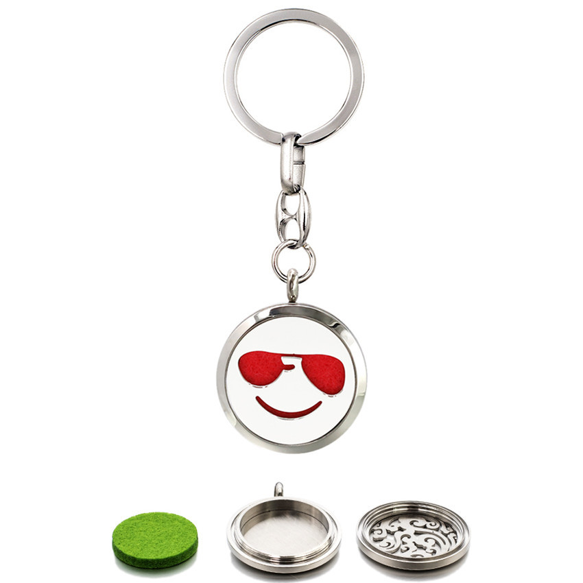 Face Expression 30mm Twist Screw 316L Stainless Steel Keychain Perfume Locket Essential Oil Diffuser Locket Keyrings 10 Pads