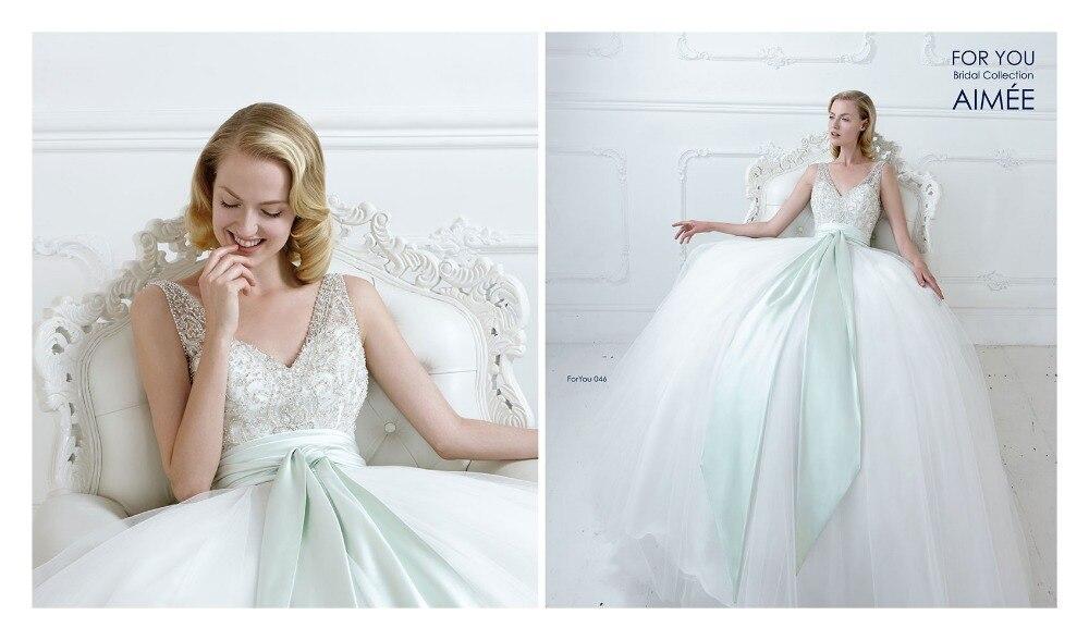 Vintage Romantic White Beaded Embellished V Neck Ball Gown