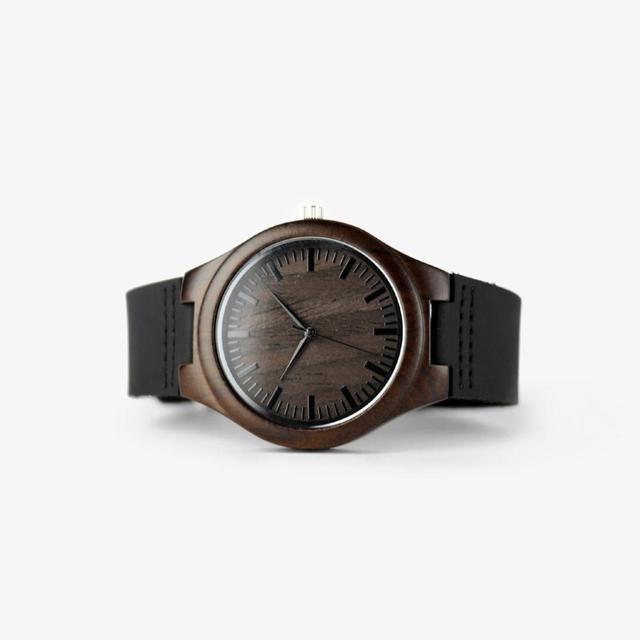 Reloj de madera grabado para hombres novio o padrinos de boda regalos negro sándalo personalizado reloj de madera regalo de cumpleaños para él