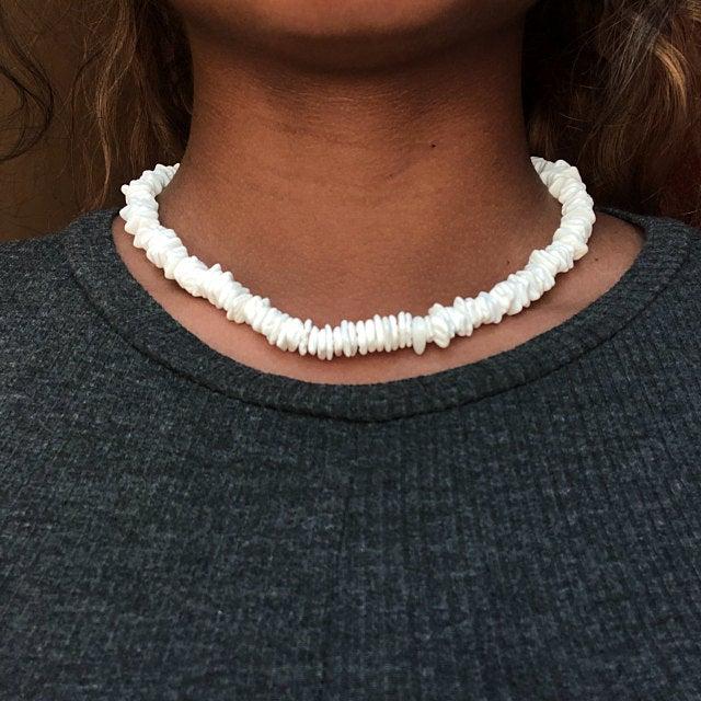 Bohemian Hawaii Puka White Clam Chips Shell Necklace Irregular Chips Seashell Choker Necklace Summer Beach Statement Jewelry