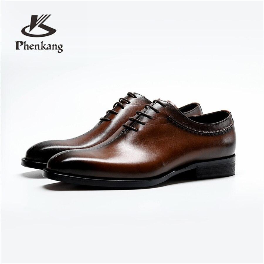 Ayakk.'ten Resmi Ayakkabılar'de Hakiki inek deri brogue Düğün ayakkabı mens rahat daireler ayakkabı vintage el yapımı oxford ayakkabı erkekler için siyah kahverengi bahar 2019'da  Grup 1