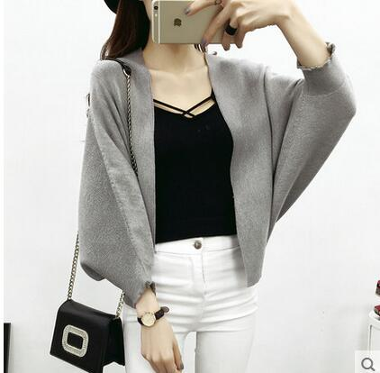 2016 Fashion Autumn And Spring Solid Sweater cardigan Three Quarter Batwing Sleeve Loose Fit V-Neck High Quality Jacket