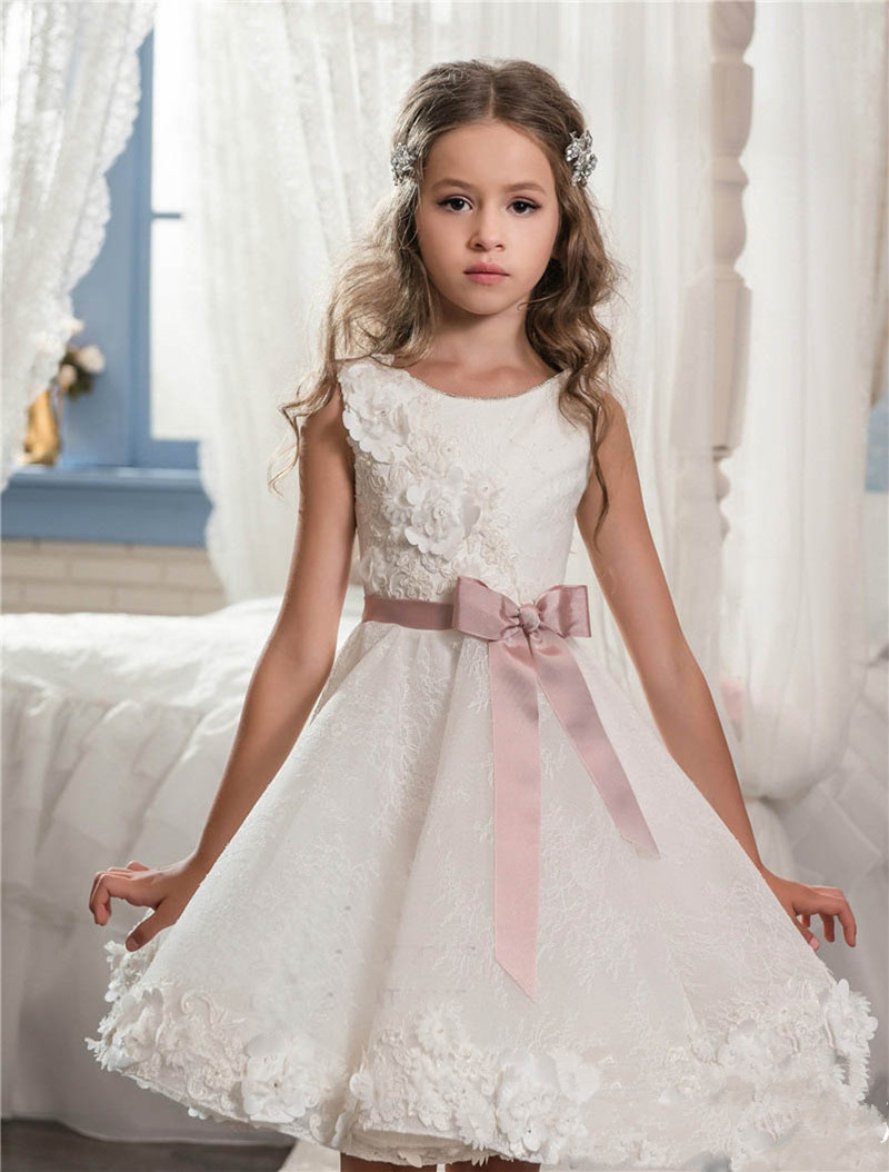 New Scoop Lace Ball Gown Flower Girl Dresses 2017 With Appliques Bow Girls Pageant Gown First Communion Dresses Tulle Ball Gown 2017 best selling custom first communion dresses for girls ball gown white lace with bow flower girl dresses kids pageant gowns