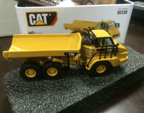 New Packing - DM Model - Cat 730 Articulated Truck HO Scale 1/87 DieCast 85130