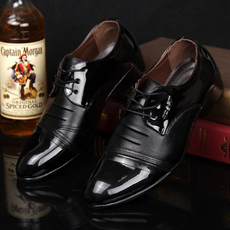 2018 Formal Business Men Casual Patent Leather Breathable Dress Shoes Lace-up Pointed Toe Fashion British Shoes Plus Size 38-44