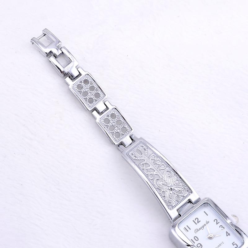 Women Vintage Luxury Gold Silver Watches Elegant Quartz Fashion Rectangle Dial Watch Carved Pattern Bracelet Casual