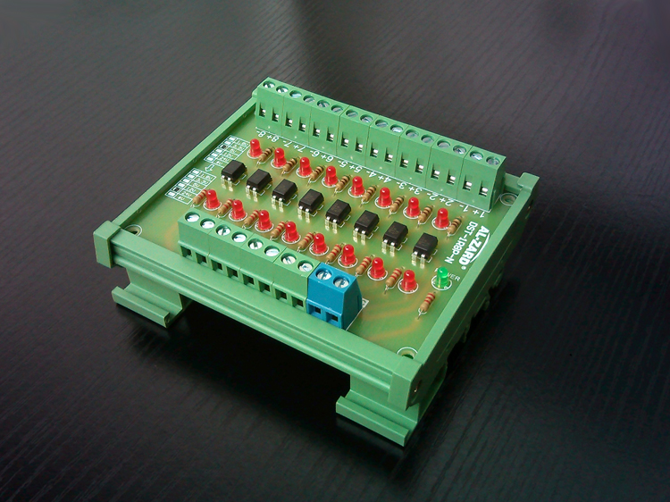 все цены на 8 way photoelectric isolation module PLC signal level voltage conversion board NPN output DST-1R8P-N онлайн