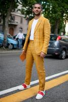 Summer Mens Suits With Pants Yellow Wedding Suits For Men Slim Fit Blazer Masculino For Groomsmen 2 Piece Causal Beach Suit Men