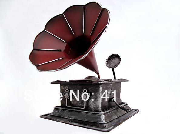 Vintage Style Phonograph Prop Handmade Retro CD Machine Toy Metal CD Player Memory Of Old Times Decoration For Shop & Home M1115