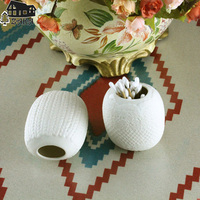 2 Pcs Lot New Arrival ZAKA White Flower Relief Ceramic Storage Bottle Small Flower Vases