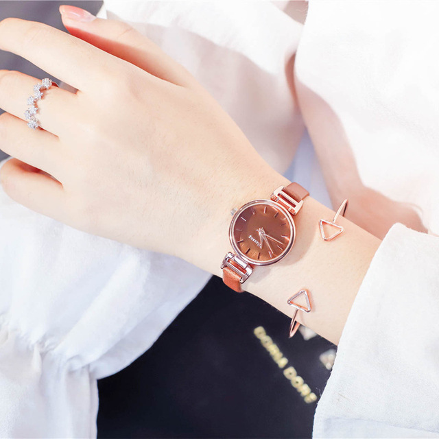 Small dial vintage leather women watches simple ladies design elegant wristwatch