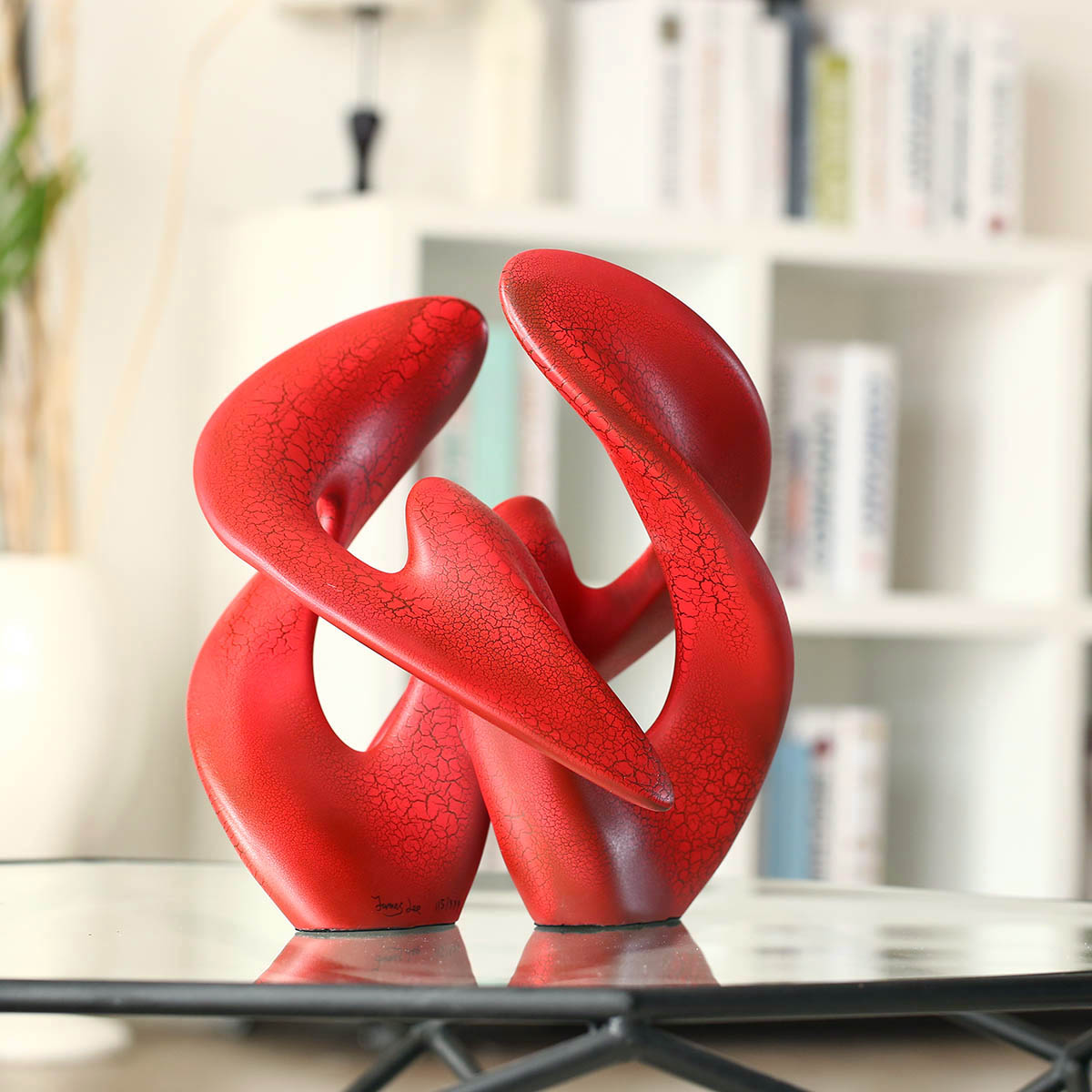 Home Decorative Sculpture Red Separation and Reunion Symmetric Construction Several Times Painting Treatment Abstract Crafts
