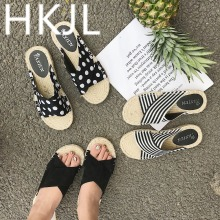 HKJL Fashion 2019 new crossover slipper with straw plaid flax bottom and cool slippers for ladies summer sandals A324