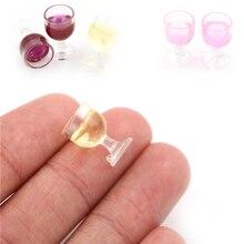 2Pcs Miniถ้วยไวน์แดงจำลองเฟอร์นิเจอร์Wine Glass Gobletสำหรับตุ๊กตาHouseตกแต่ง1/12 Dollhouse Miniatureอุปกรณ์เสริม