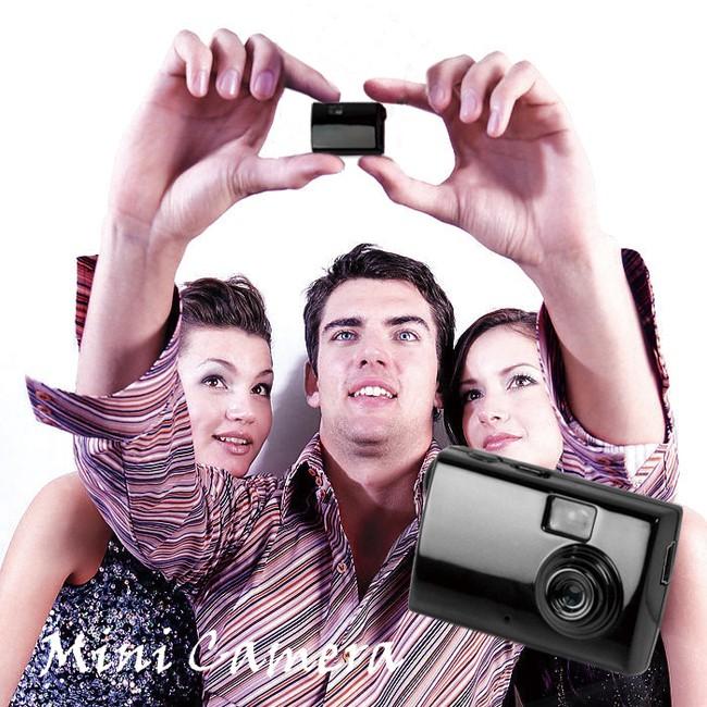 Y14306-Multifunctional-Mini-DV-Digital-Camera-300W-Pixels-Video-Recorder-Camcorder (2)