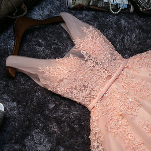 Image 3 - Elegante Parel Roze Prom Dresses 2020 Sexy Prom Jurk Korte V hals Applicaties Kralen Lace Up Knielange Afstuderen partij Jassen