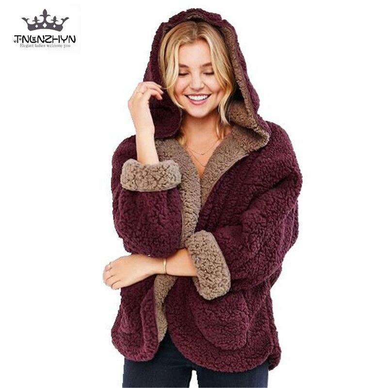 TNLNZHYN 2019 модные зимние Для женщин ягнят Шерстяное пальто обе стороны носить куртка свободные рукава летучая мышь Повседневное с капюшоном О...