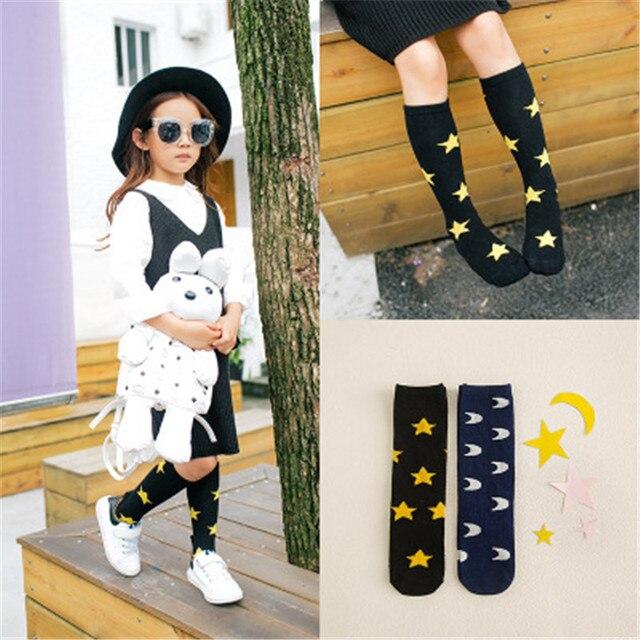 2017 moda Niña niño rodilla calcetines lindo Luna estrellas patrón ...