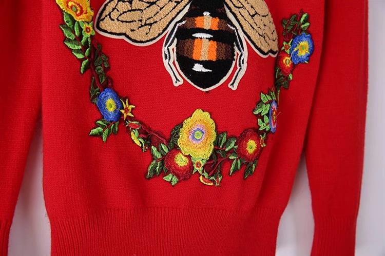HTB1hS kh8cHL1JjSZFBq6yiGXXas - BLIND FOR LOVE Women Embroidery Sweaters Red Christmas Long Sleeve O Neck Floral Bee Sweater PTC 299