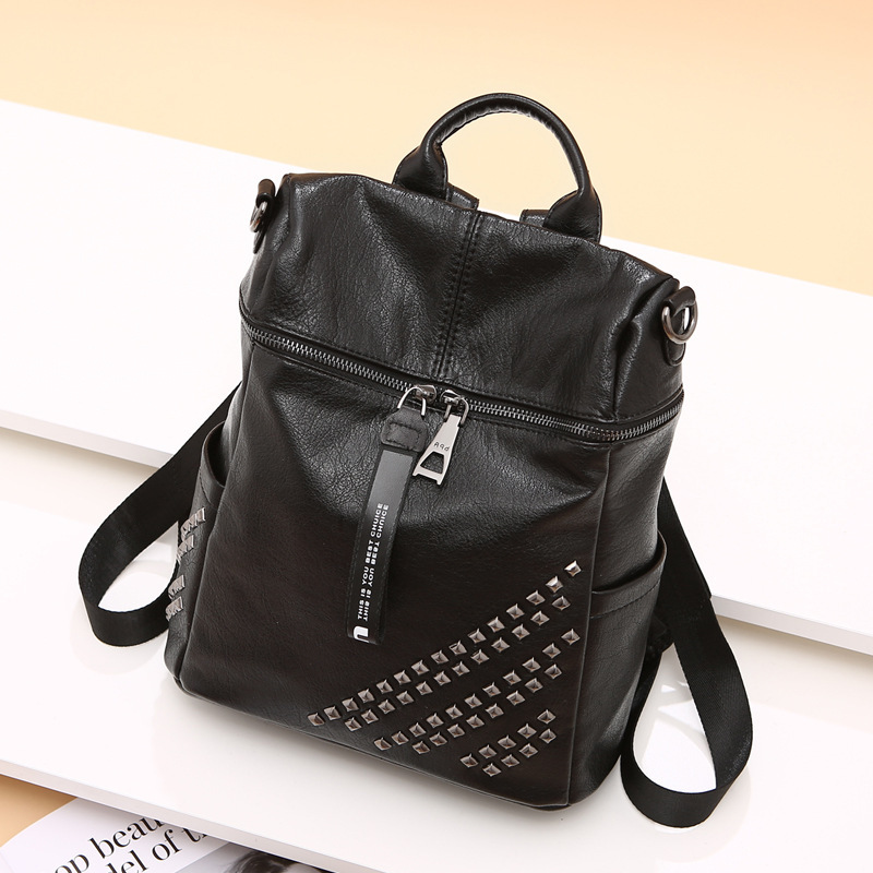 High Quality Girls School Daypack Rucksack Travel Bag Single Shoulder Bags Fashion Genuine Leather Women Backpack Rivet KnapsackHigh Quality Girls School Daypack Rucksack Travel Bag Single Shoulder Bags Fashion Genuine Leather Women Backpack Rivet Knapsack