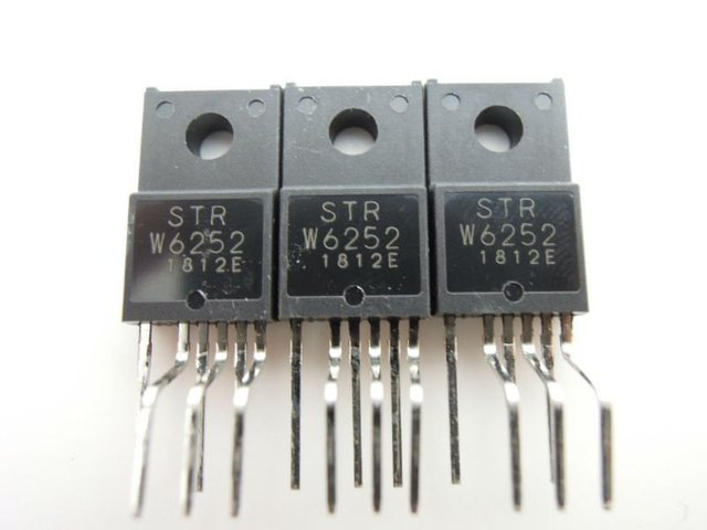IC  STRW6252 to-220-6 FreeShipping