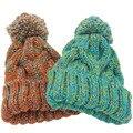 Gorros de inverno Para As Mulheres Acrílico Malha Chapéus Misturar Cores Skullies E Gorros de Malha Grande Pompom Beanie Caps Frete Grátis Feminino