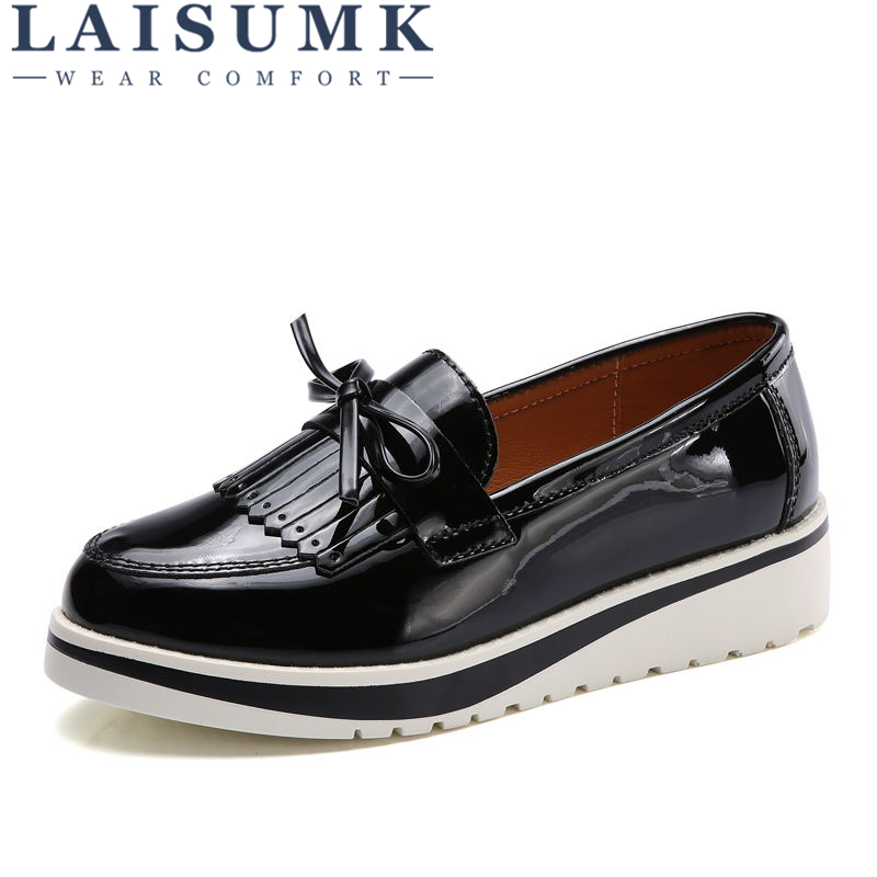 2018 LAISUMK Fashion Oxford Flat Shoes Women Oxfords Patent Leather Retro Carved Women Round Toe Britsh Style Casual Sneaker