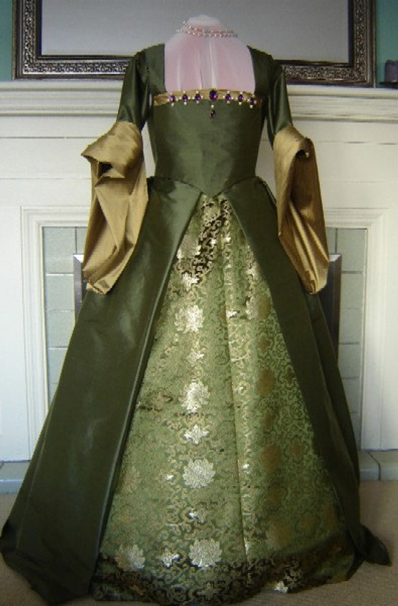 Tudor Gown