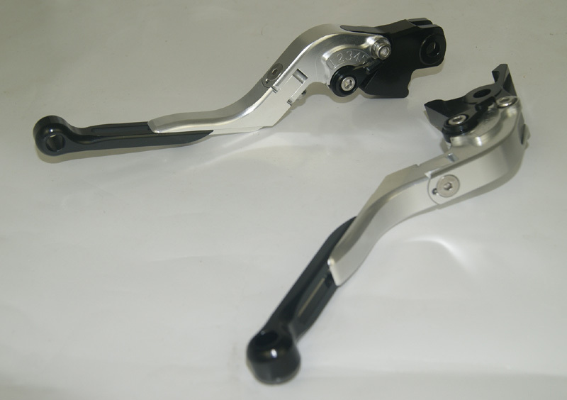 Motorcycle Brake Clutch Levers Adjustable Folding Extendable Black+Silver For BMW F800S F800ST F800GS F800R F650GS adjustable billet short folding brake clutch levers for bmw f 650 700 800 gs f650gs f700gs f850gs 08 15 09 10 f 800 r s st 06 15