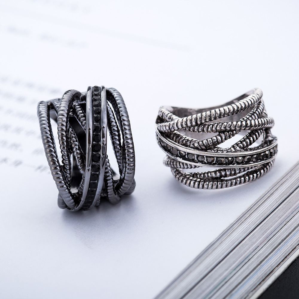MCSAYS New Stlye Hollow Ring Full Crystal Ring Special Retro Female Ring Fashion Jewelry for Women 3JM