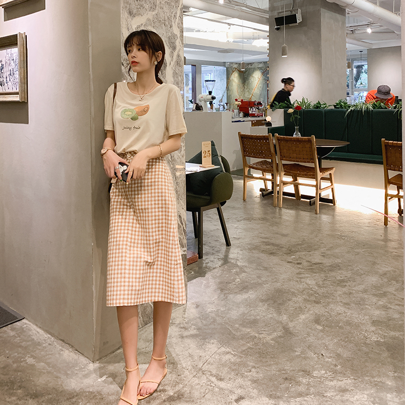 MISHOW 2019 Summer 2 Piece Set Womem Causal Cotton O-Neck Fruit Print Short Sleeve Tee + Plaid Pocket Skirt MX19B3450