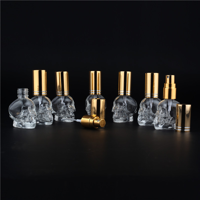 1 stk 8ML 10Colors Mini Travel Unik personlig personlig Skull Form Empty Glass Perfume Bottle Små Eksempel Bærbare Parfymeflasker