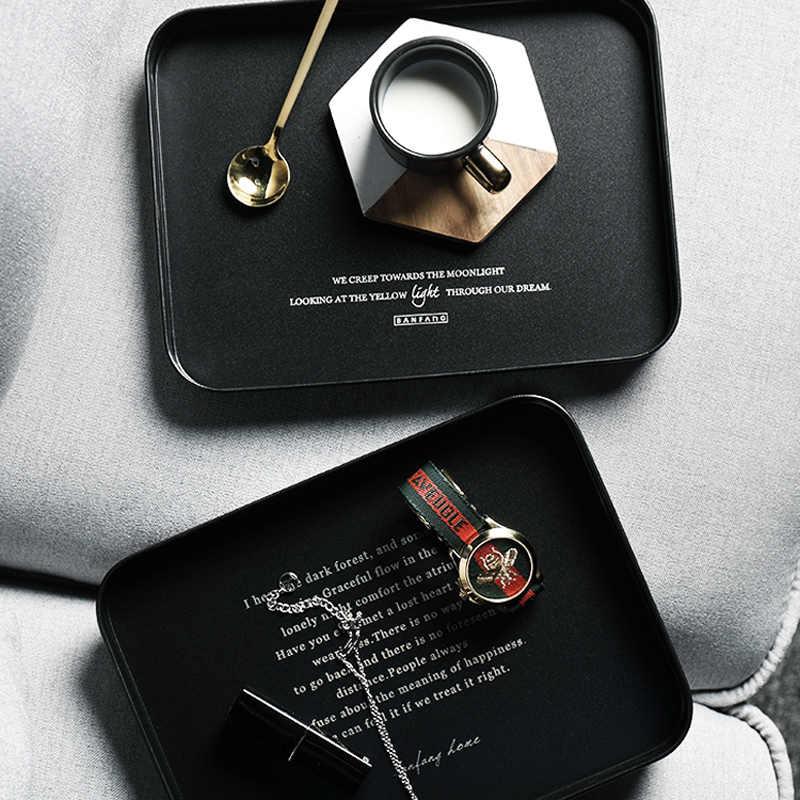 Czarny metalowy stojak na talerze biurowe minimalistyczny skandynawski, nordycki biurko rozmaitości biżuteria spożywcza żelazny organizer z tacką dekoracją